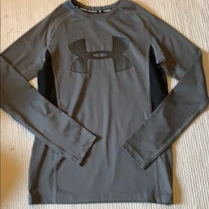 Boys Under Armour long sleeve fitted tee